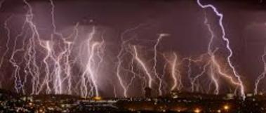 维多利亚雨季来临!这周将面临暴雨,雷电…大家注意秋季保暖!