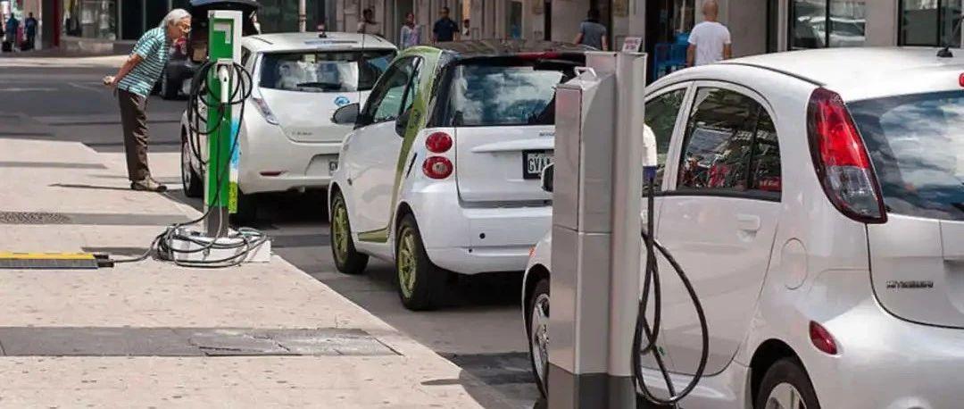 油价真上天了!下周起增长33%?!碳税这东西咋下不来呢?!