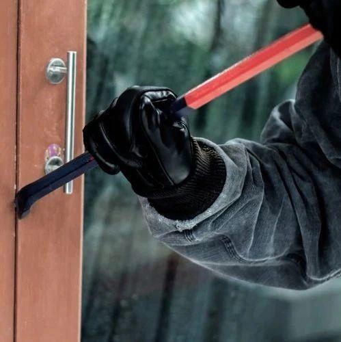 简直是噩梦!!维多利亚DT有匪徒携铁棍,深夜潜入居民房间。。。