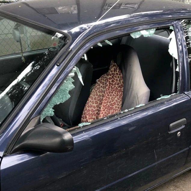 太嚣张!维多利亚DT又发生砸车事件… 罪魁祸首可能精神不正常??