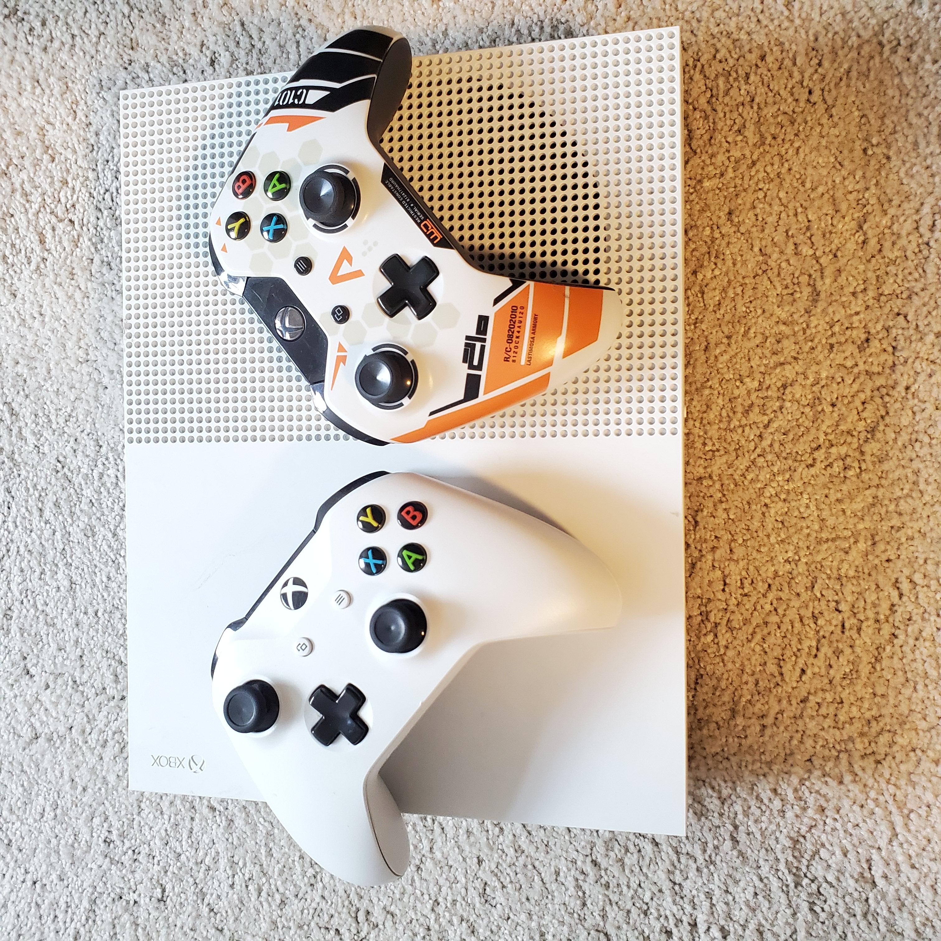$220 出Xbox One S 送两个手柄